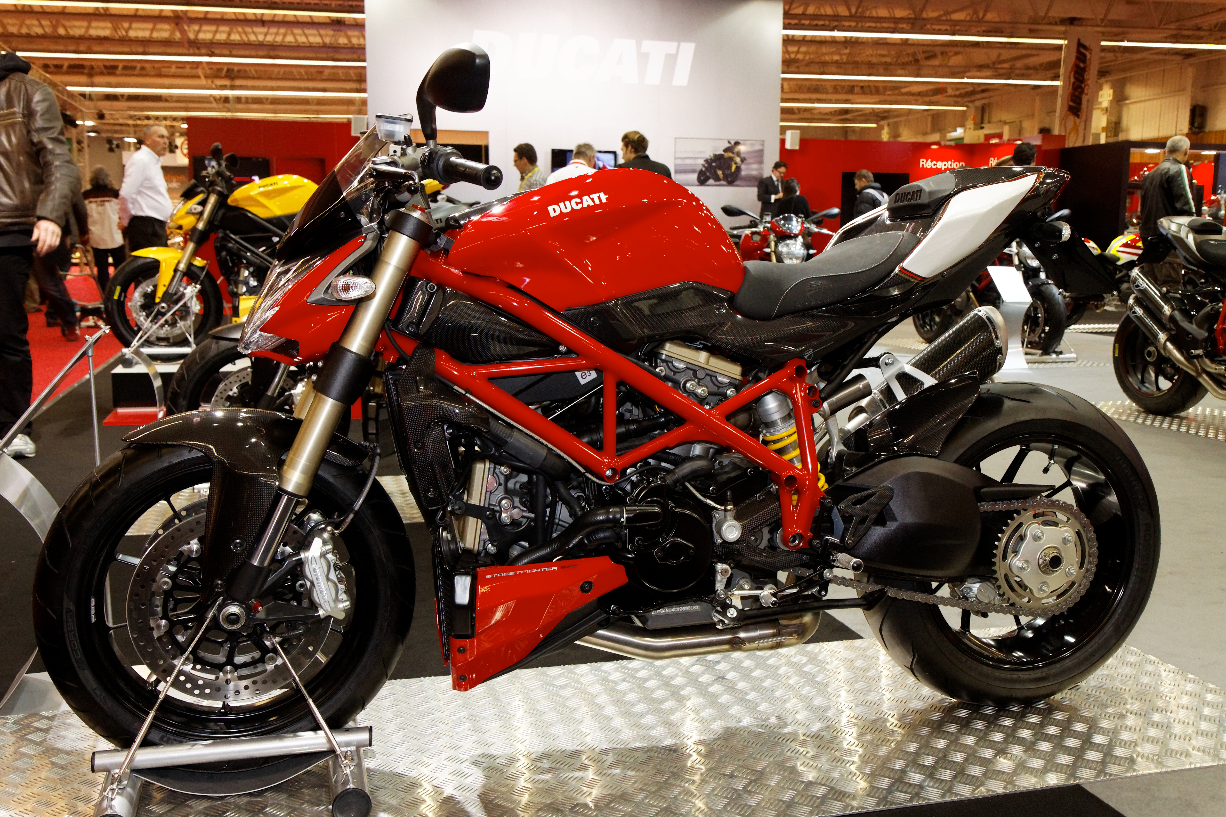 Ducati Streetfighter 2011 wallpapers #17064