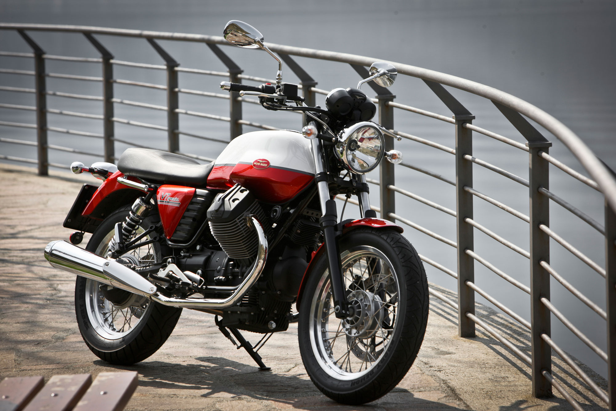 Moto Guzzi V7 Special 2013 wallpapers #139756