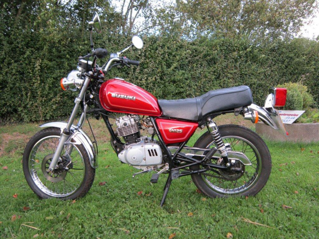 suzuki gn 125 pics specs and list of seriess by year. Black Bedroom Furniture Sets. Home Design Ideas